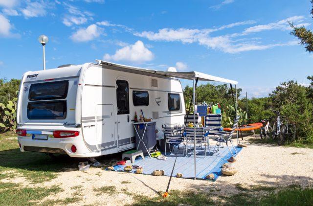 Wohnwagen auf dem Camping Cala Ginepro, Sardinien