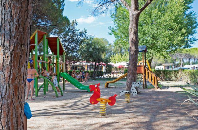 Il parco giochi del Camping Cala Ginepro